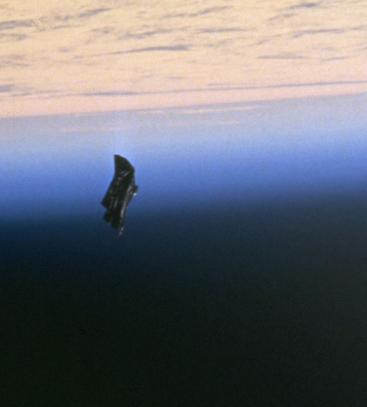 Ufo: la conferma degli Usa, per anni sulle tracce degli oggetti volanti non identificati