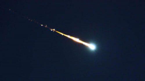 Bolide esplode nel cielo: paura negli Usa