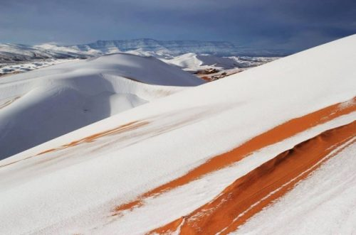 Neve sul Sahara: si ripete l'incredibile fenomeno