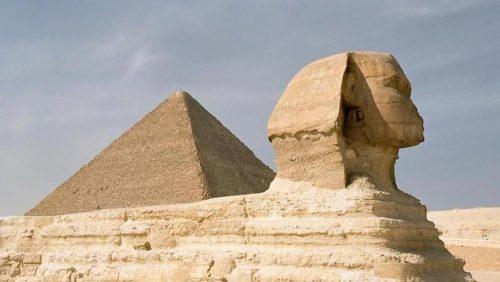 Egitto: un trono in ferro della Piramide di Cheope