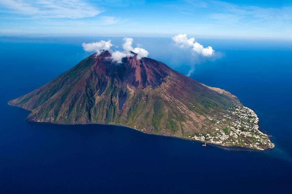 Terremoto Eolie: sciame sismico a largo di Alicudi