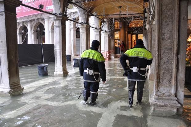 Acqua alta a Venezia, picco di marea a 119 centimetri