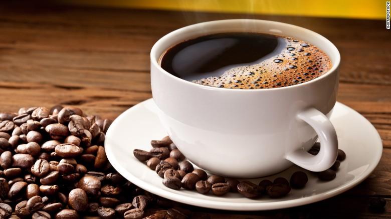 La caffeina combatte davvero le occhiaie?