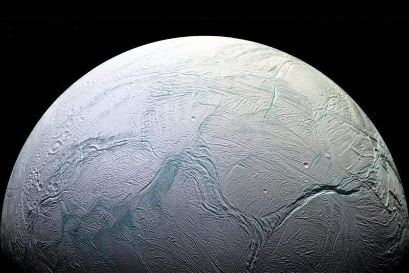 Vita extraterrestre: ecco perché su Encelado è possibile