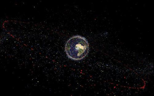 Il pericolo dei detriti spaziali, oltre 21mila intorno alla Terra
