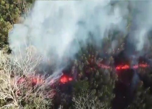 Hawaii: il Kilauea si sveglia, si aprono crepe nel terreno. Il video
