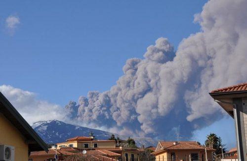 Cenere dei vulcani, è pericolosa? tutti i rischi