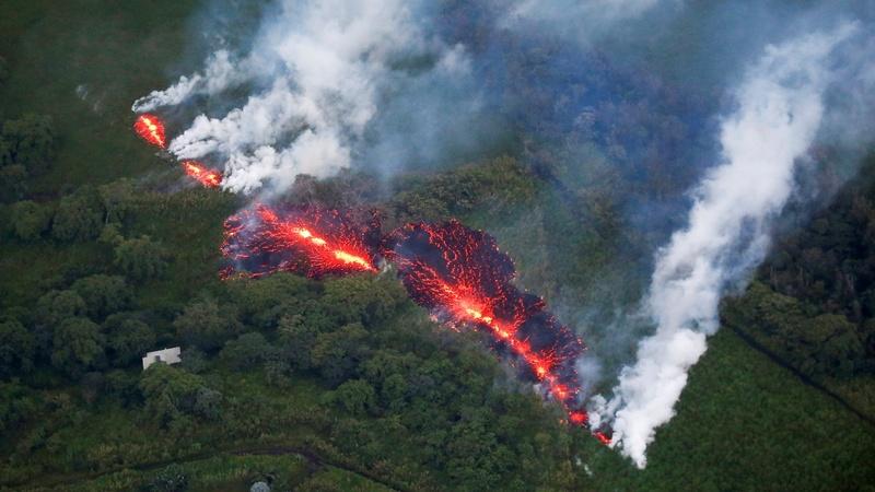 Hawaii: violentissima esplosione in cima al Kilauea