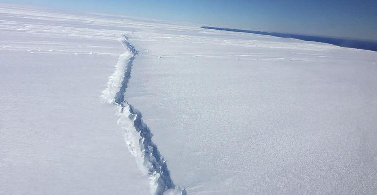 Scoperti monti sommersi sotto al ghiacciaio di Pine Island