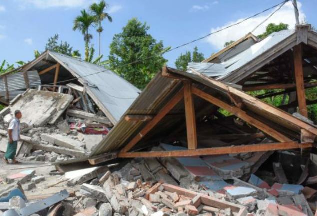 Terremoto Indonesia, scossa di 7 gradi: allerta tsunami