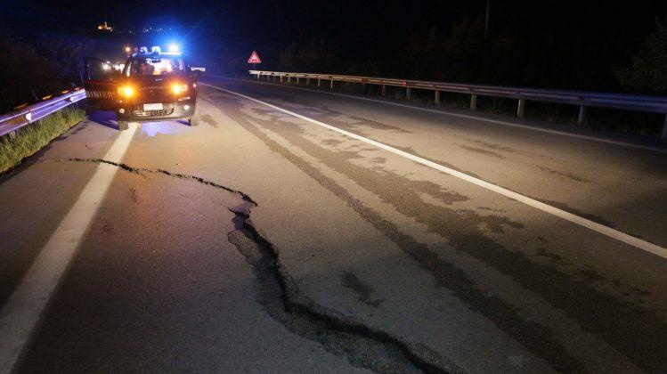 """Terremoto Molise: l'allarme: """"Possibili nuove forti scosse"""""""