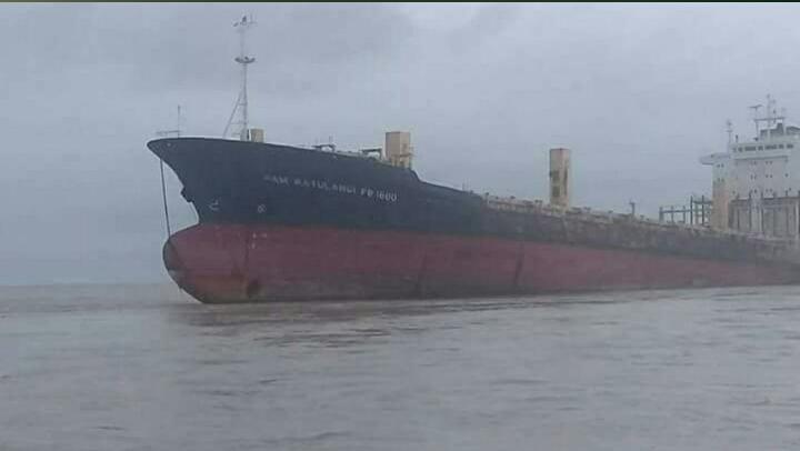 Nave fantasma appare in Myanmar, paura tra i pescatori