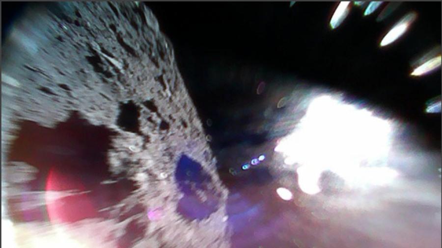 Spazio: la prima immagine realizzata da superifice di un asteroide