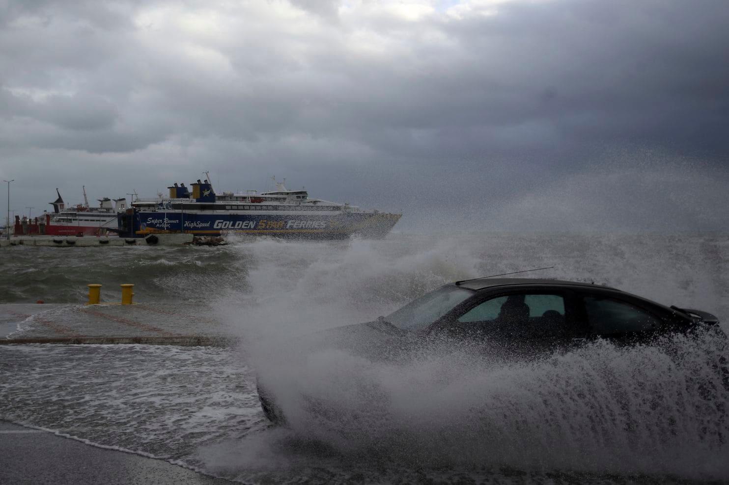Ciclone mediterraneo: pesanti danni in Calabria e Sicilia, trema la Grecia