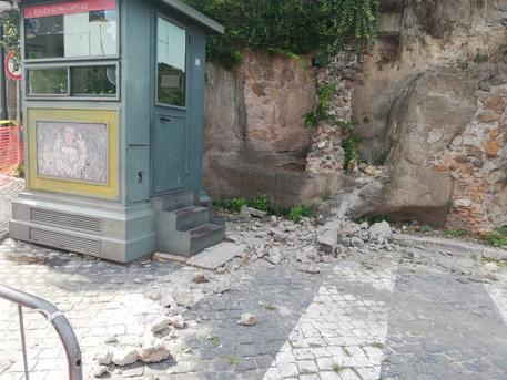 Roma: mini frana alle pendici del Campidoglio
