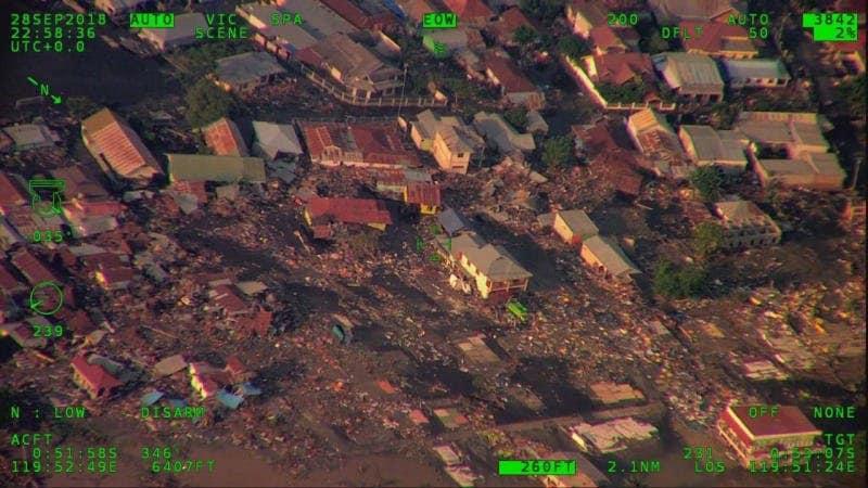 Tsunami Indonesia, nuovo bilancio: 832 morti, almeno 200 dispersi