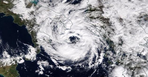 """Ciclone in arrivo sull'Italia meridionale e Grecia; """"preallarme"""" sullo Ionio"""
