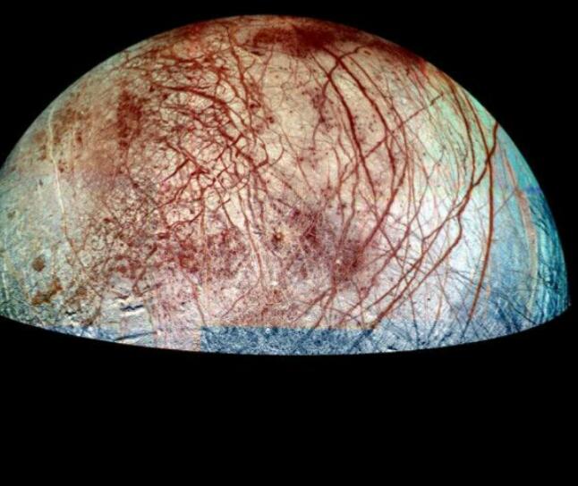 Penitentes su Europa, enormi guglie di ghiaccio sul satellite di Giove