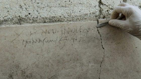 Pompei, un'iscrizione modifica la data dell'eruzione del Vesuvio