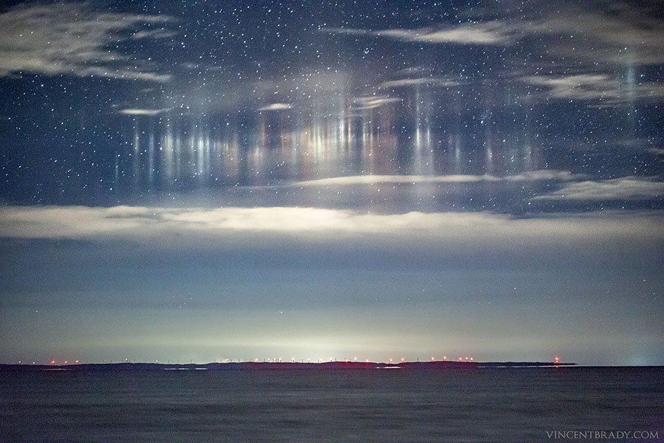 Pilastri di luce fotografati negli Stati Uniti: l'incredibile fenomeno
