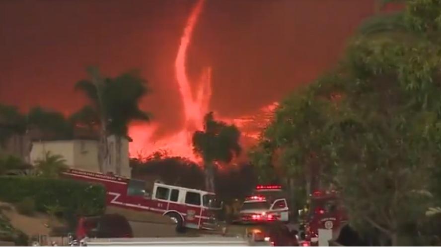 Firetornado: ecco come si forma l'infernale vortice di fuoco