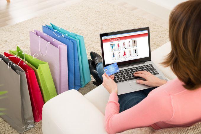 I 'rischi' dello shopping online, le conseguenze sul livello di concentrazione
