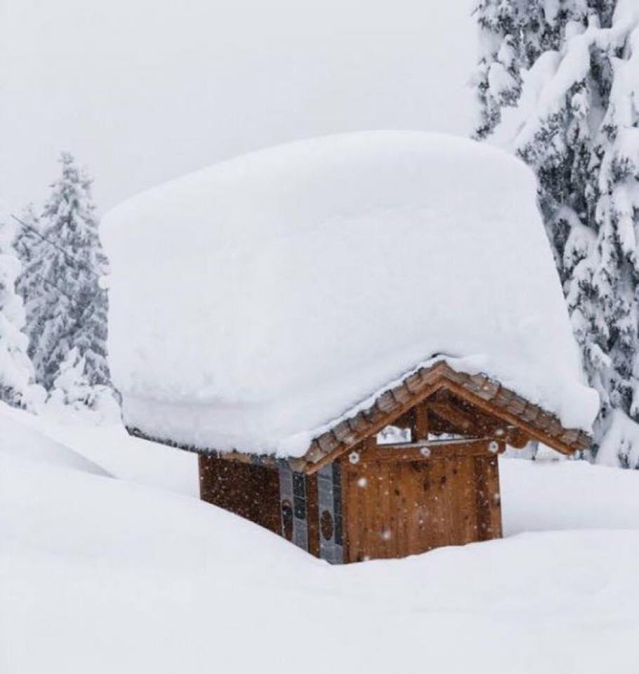 Neve in tutta Europa: valanghe e bufere dalla Norvegia alla Grecia