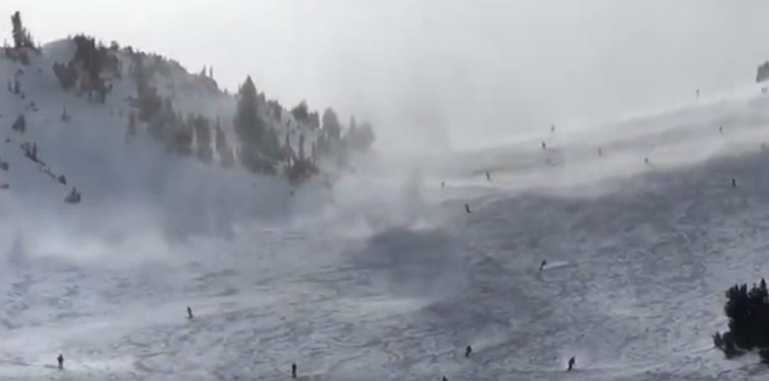 Snownado negli USA: raro fenomeno avvistato in stazione sciistica, il video