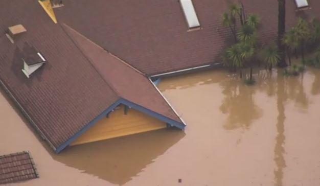 Maltempo in California, livelli record dei fiumi: intere zone 'trasformate' in isole