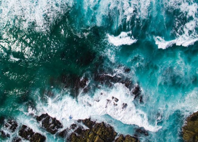 Ambiente: gli oceani stanno cambiando colore, lo studio