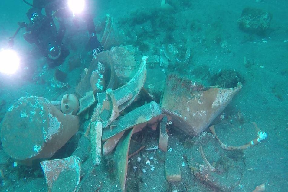 Eccezionale scoperta a Napoli: individuato il carico di una nave del '700