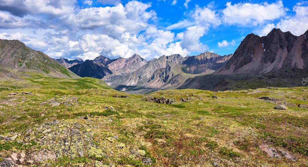 Ambiente: anche le Alpi emettono CO2, l'allarme