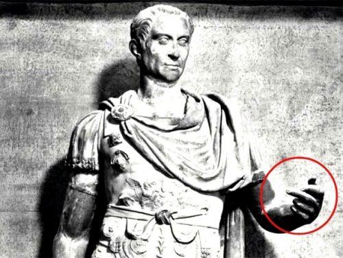 Dito medio: l'antichissima origine del 'gestaccio'