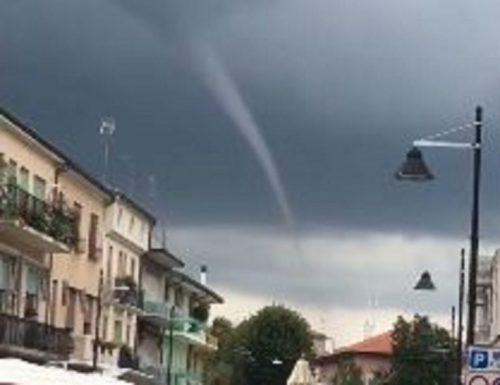 Funnel cloud tra Chioggia e Cavarzere, il video del fenomeno