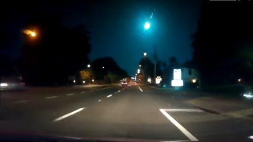 Florida: enorme palla di fuoco illumina il cielo. Il video della meteora