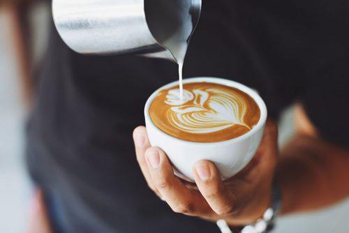 I 4 principali benefici del bere caffè ogni giorno