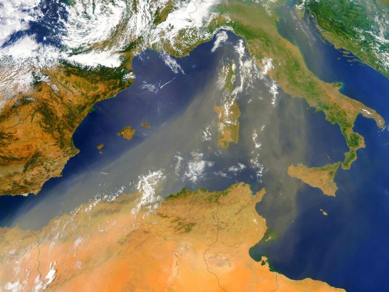 Meteo: enormi quantità di sabbia del Sahara sull'Italia