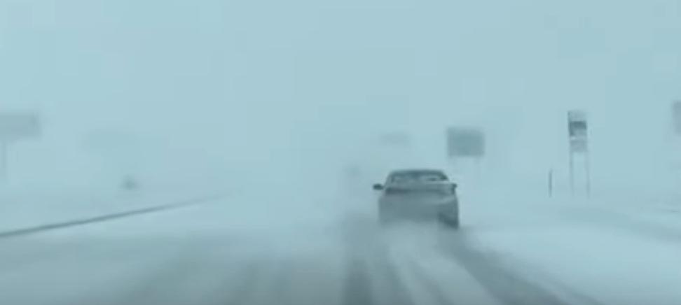 Whiteout in South Dakota: il video di un automobilista