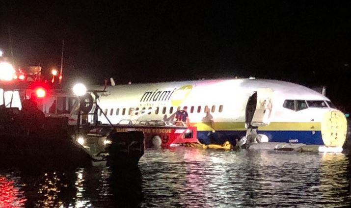 Grave incidente a causa del maltempo: Boeing finisce nel fiume