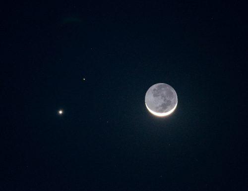 Congiunzione Luna Marte: la 'danza' nel cielo con Betelgeuse e Capella