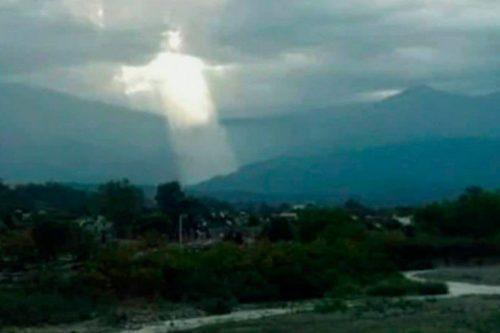 Argentina: strana figura tra le nubi diventa virale