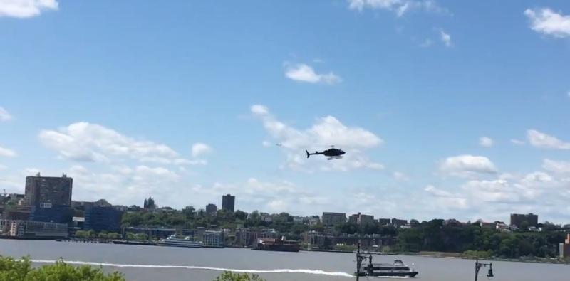New York: elicottero precipita nel fiume Hudson, il video