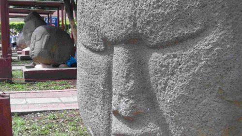 Archeologia: anomalia magnetica in antiche sculture in Guatemala