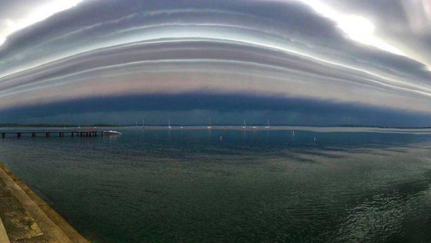 Usa: enorme shelf cloud su Madison. Le immagini