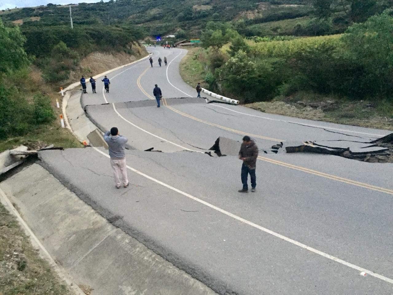 Terremoto Perù: la terra si sposta di 4 quattro metri. Le prime immagini