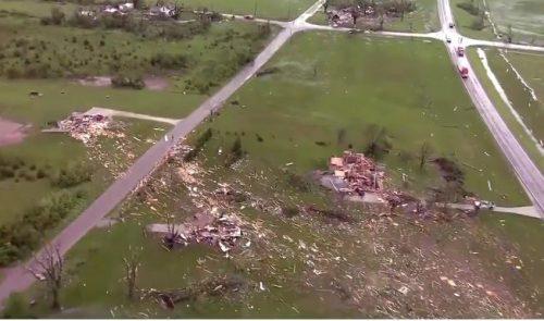 Spaventoso tornado colpisce Lawrence e Lindwood, danni molto gravi