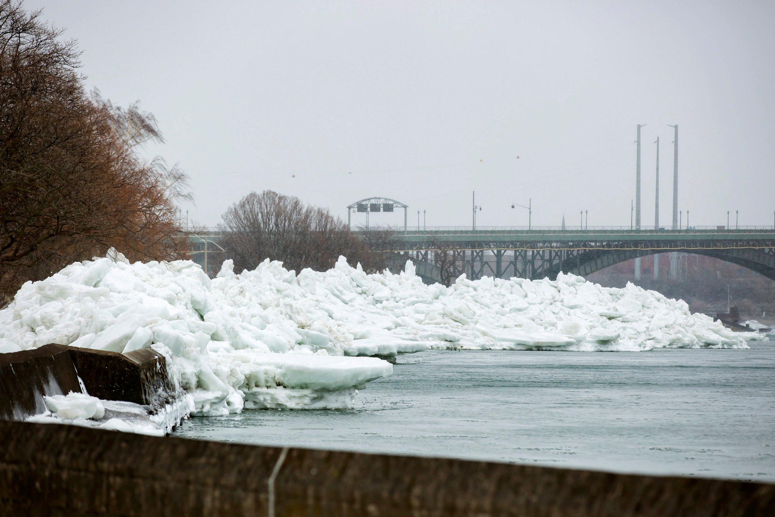 Tsunami di ghiaccio in Siberia. Il video