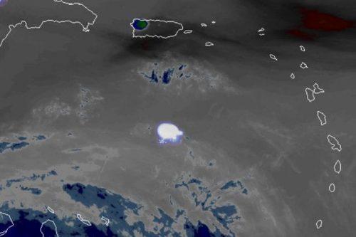 Asteroide esplode nei cieli dei Caraibi, frammenti cadono in mare