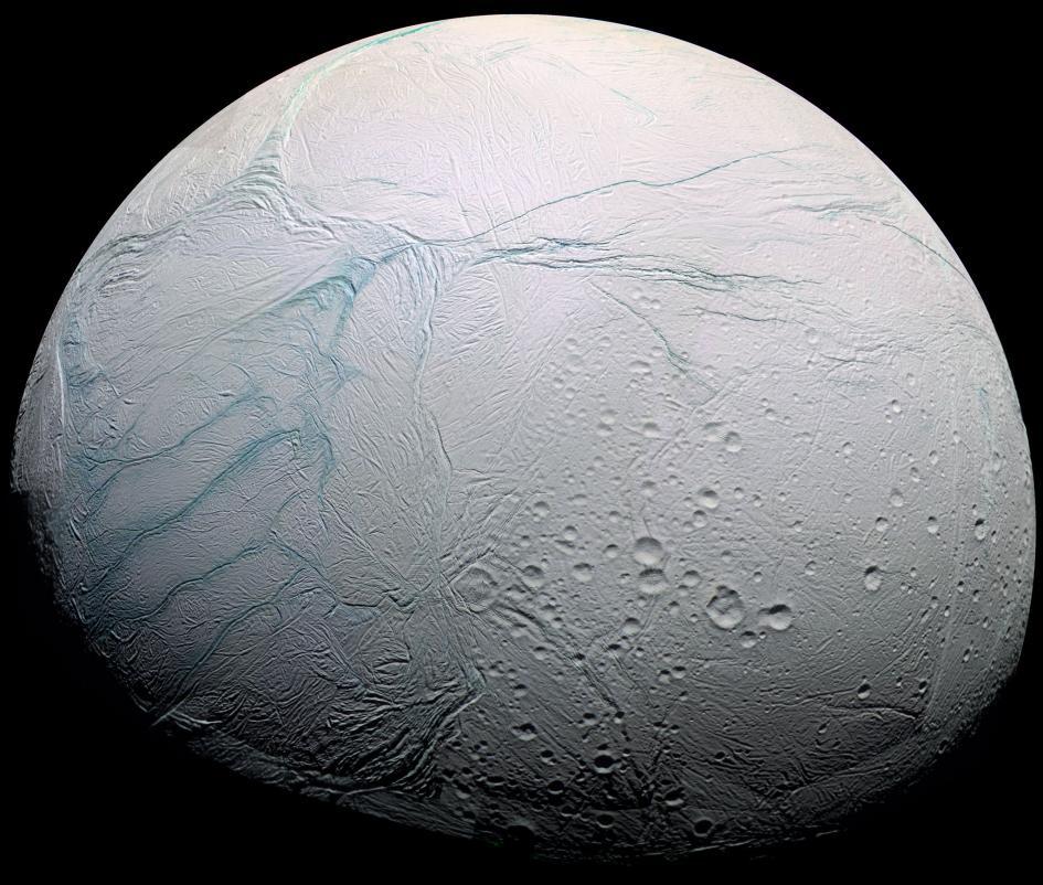 Spazio: l'oceano di Encelado è ricco di cibo