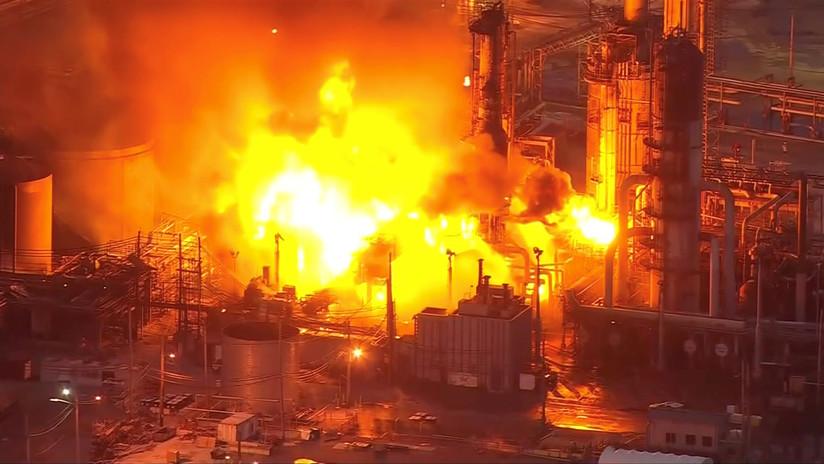 USA: potente esplosione in raffineria a Filadelfia. Avvistata anche dallo spazio